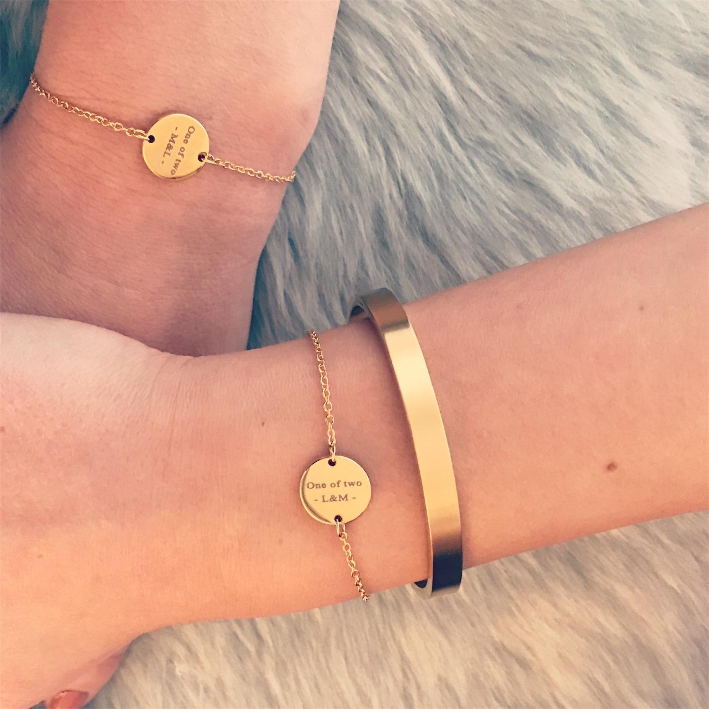 Gouden brushed bangle met graveerbare armbandjes