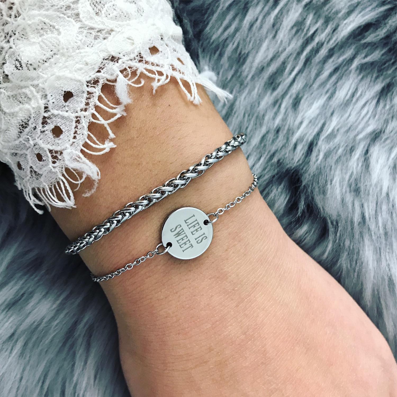 Zilveren armband met gegraveerde tekst