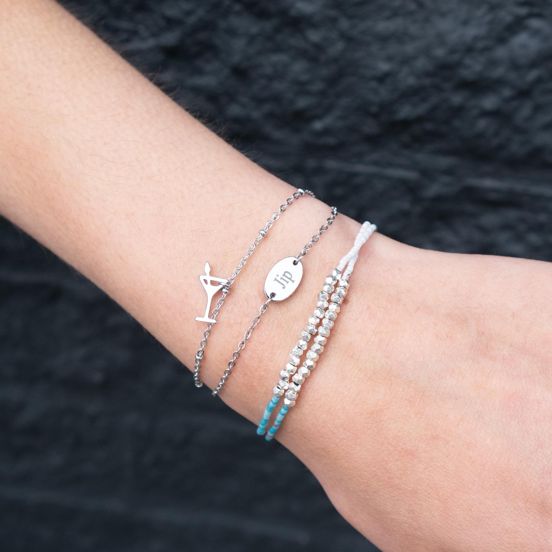 GRaveerbare armbandjes kopen met kleurtjes en kralen