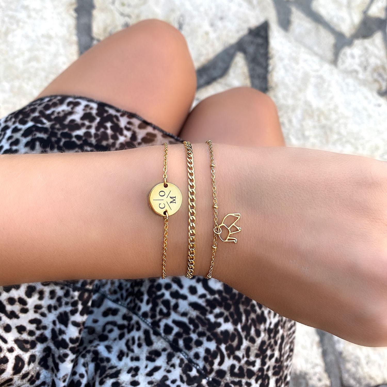 mooie graveerbare armband met drie letters erop