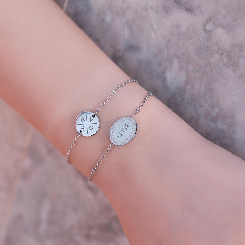 Graveerbare armbandjes met naam om de pols
