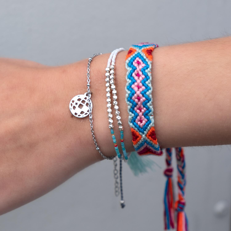 Gekleurde armbandjes met discobal armbandje in zilver