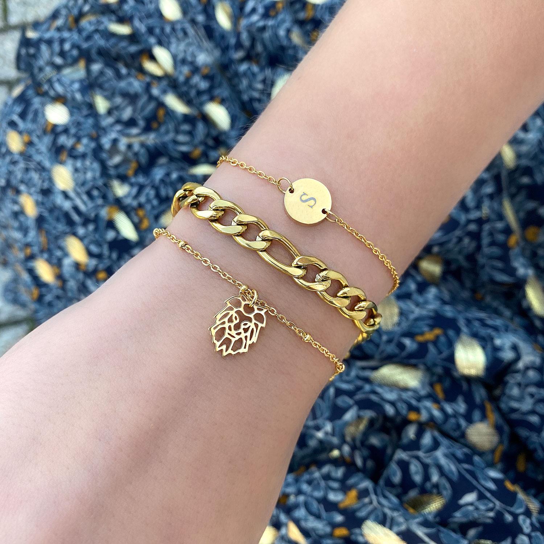 leuke armbandjes met gravering voor een sieraden party