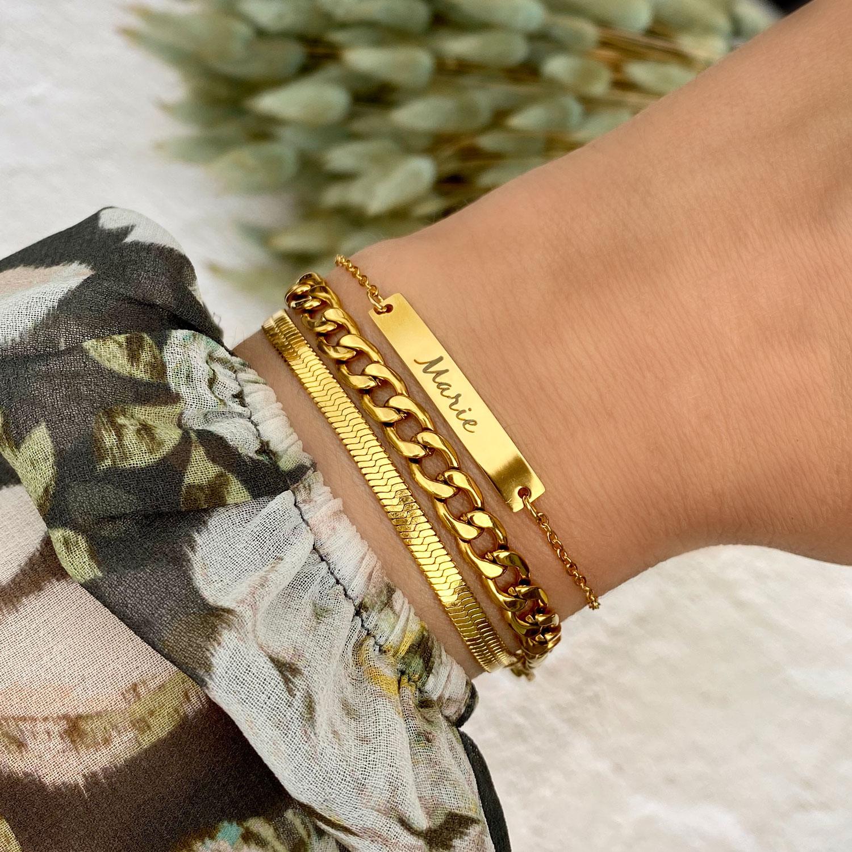 Gouden dubbele schakelarmband met naam armband gecombineerd