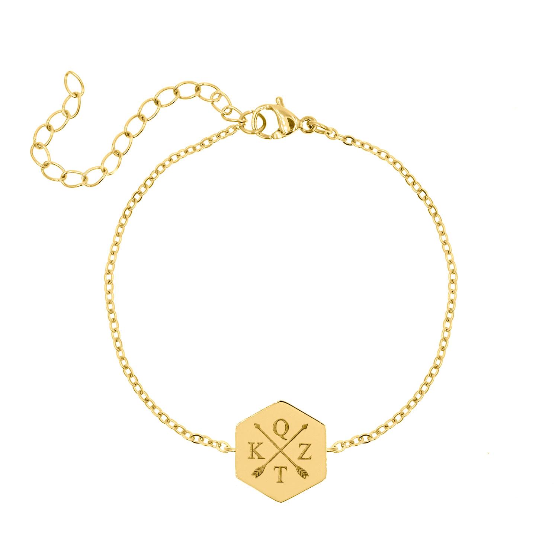Armband met 4 letters goud kleurig