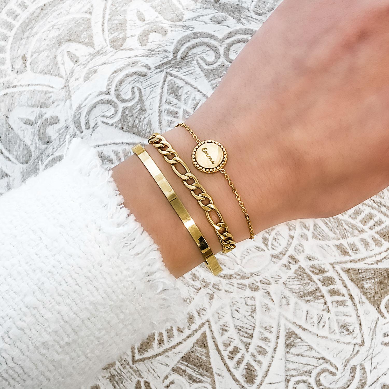 Mooie armbanden set met vintage muntje om de pols