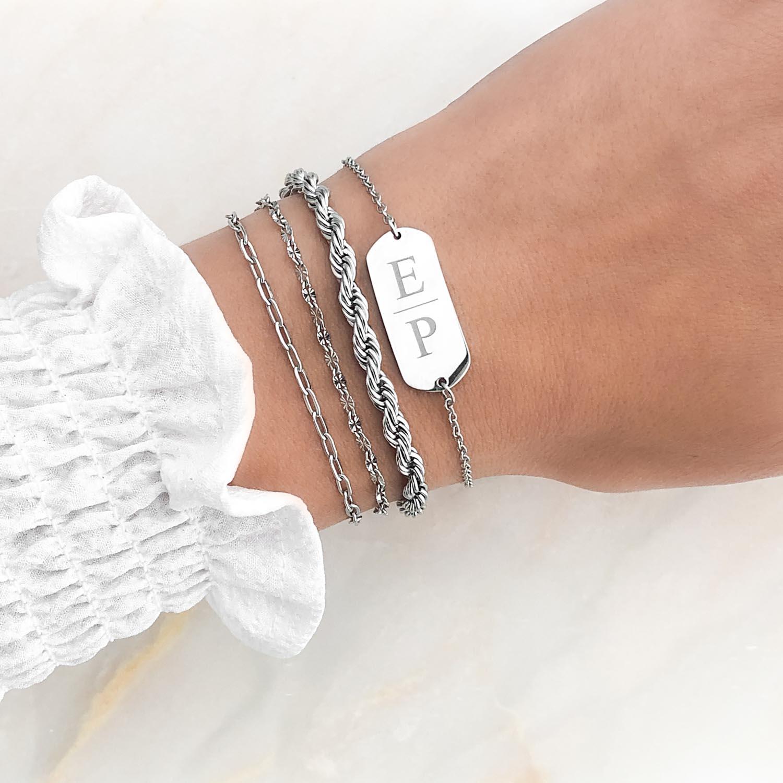 Mooie look voor sieraden in een zilveren kleur
