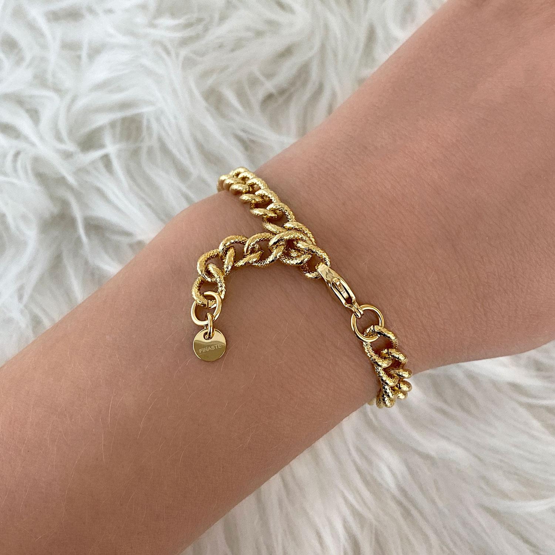 Gouden chain armband met vachtje