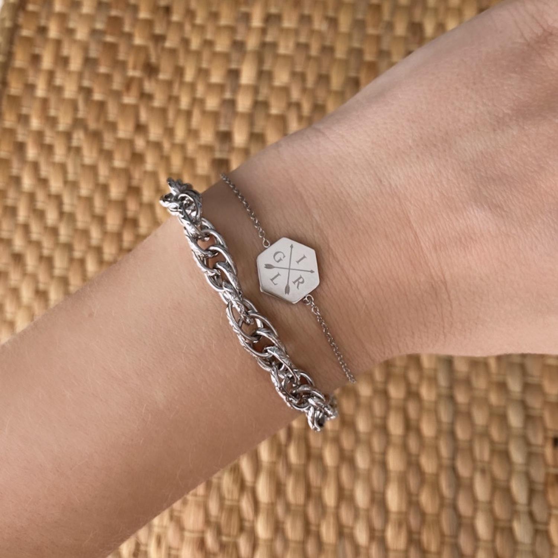 Graveerbare armband met gevlochten armband om pols in zilver