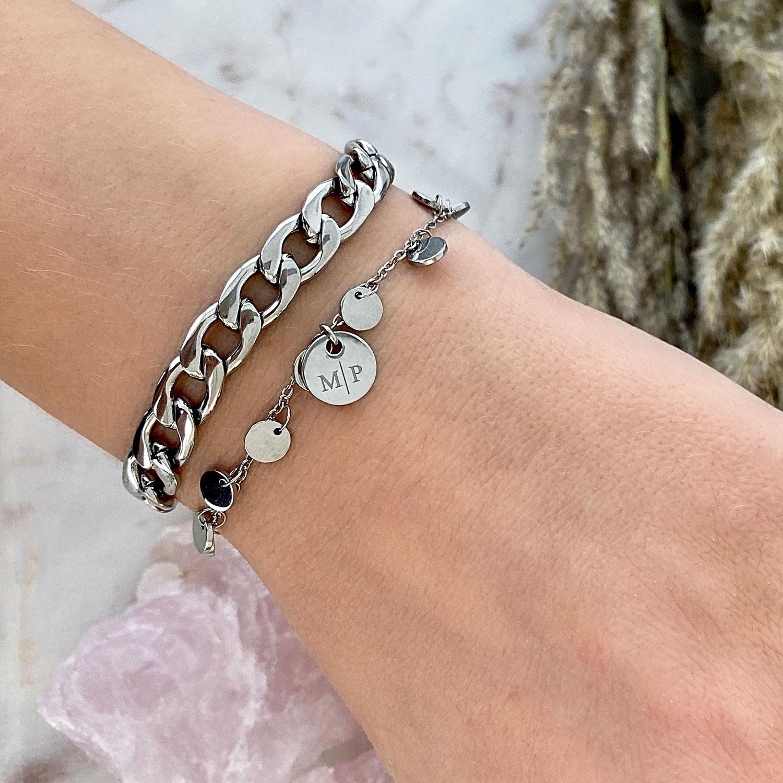 Big chain armband om pols