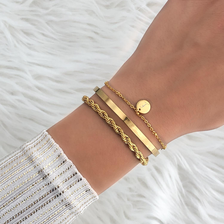 Trendy armband om de pols voor een complete look