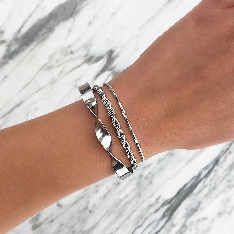 Trendy armbanden om de pols voor een trendy look