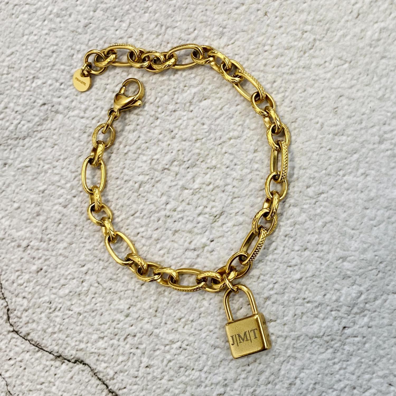Gouden armband met graveerbare slotjes bedel