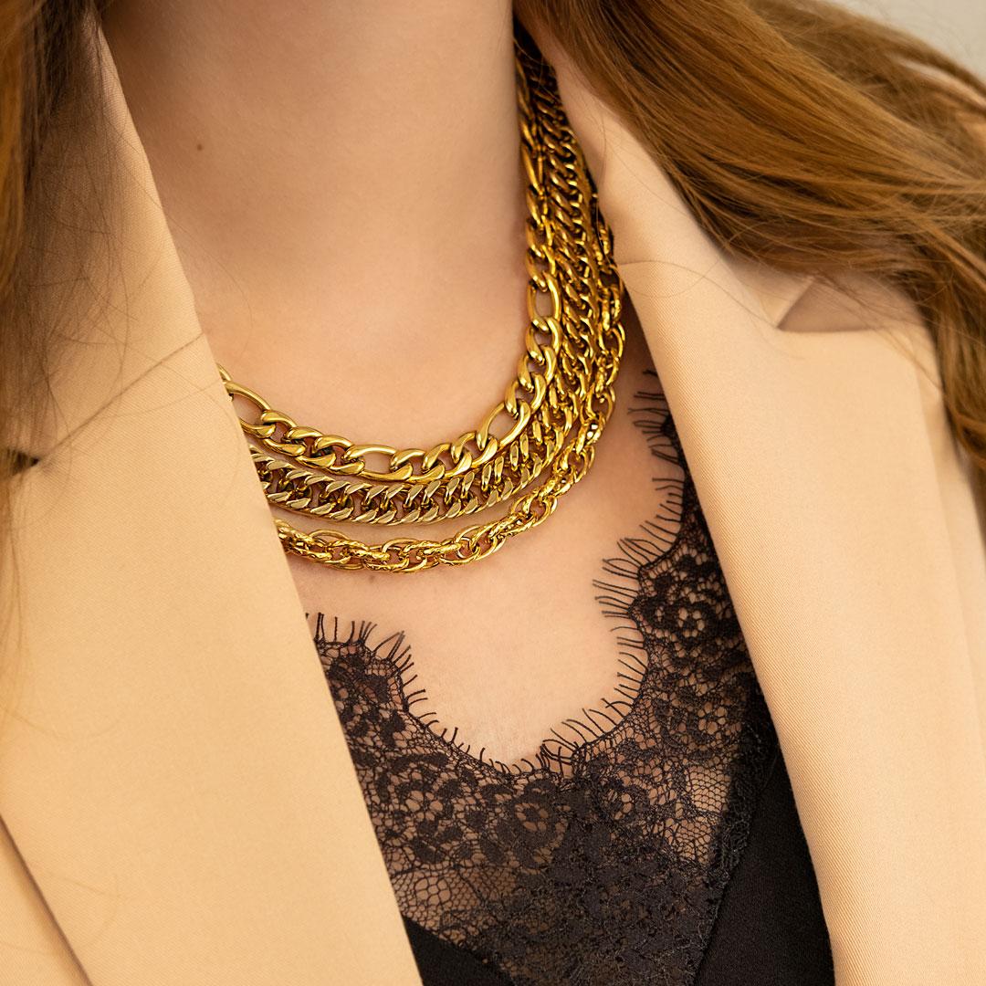 Gouden ketting mix om hals