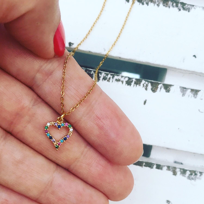 Gouden Rainbow ketting met hartje als hangertje en kleurtjes