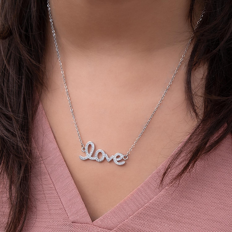 Love sparkle ketting om de hals met een roze top