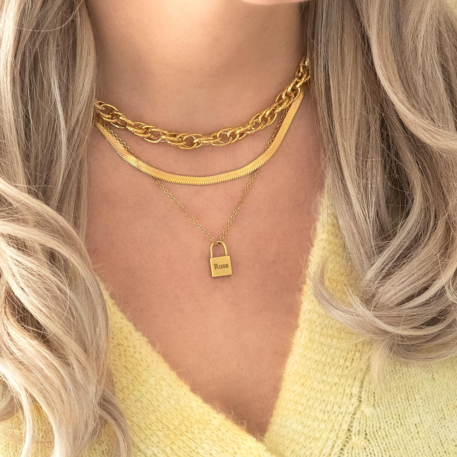 Gouden necklace layering combinatie