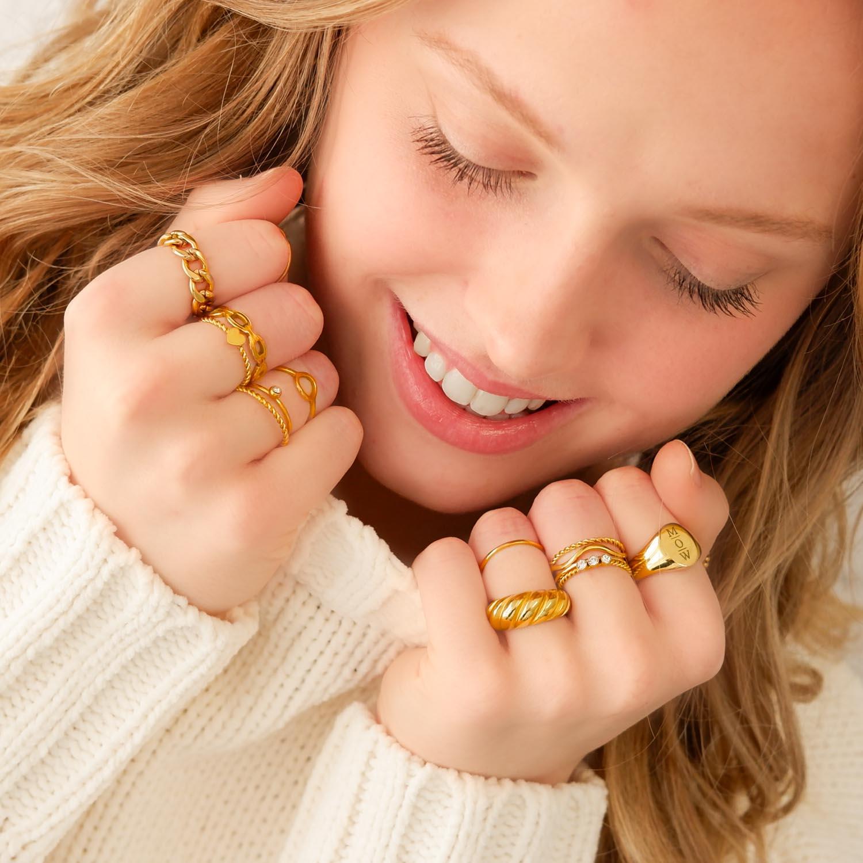 Trendy ringen om de hals voor een complete look