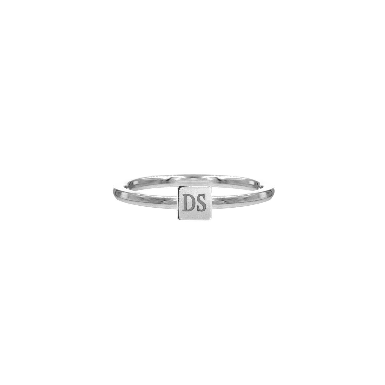 Graveerbare zilveren ring met vierkantje