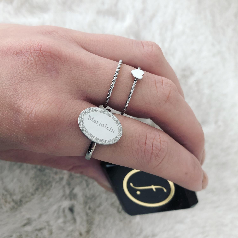 Graveerbare Zilveren ring in doosje