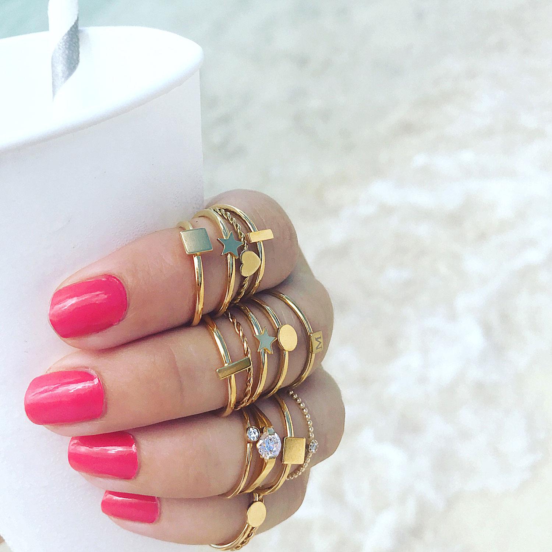 Set van verschillende ringen om de hand