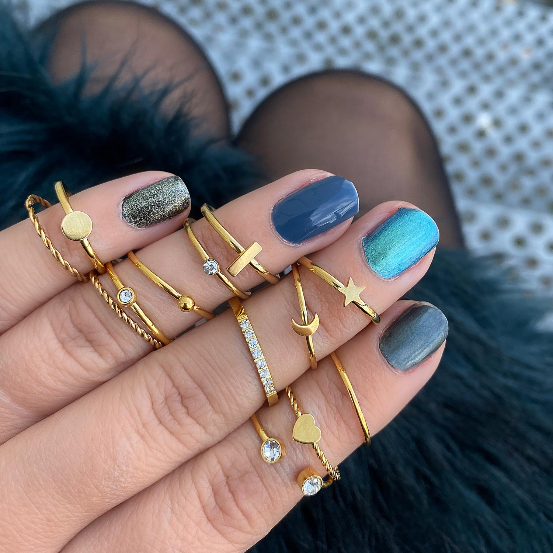 Leuke ringen voor om de hand voor een complete look