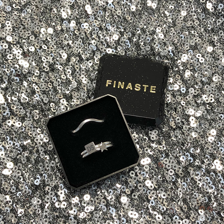 Leuke zilveren ringen in een sieradendoosje om cadeau te geven
