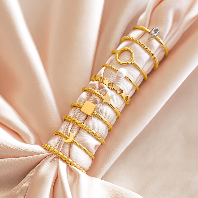 Leuke set van ringetjes in een sieradendoosje