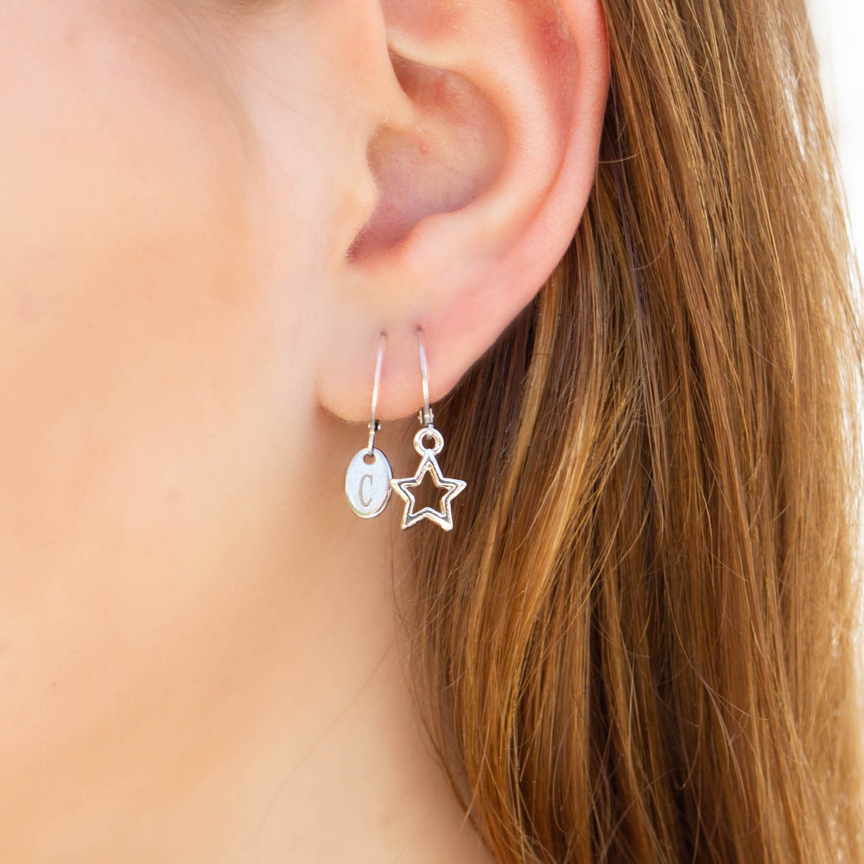 Graveerbare earparty met sterretje en ovale oorbel