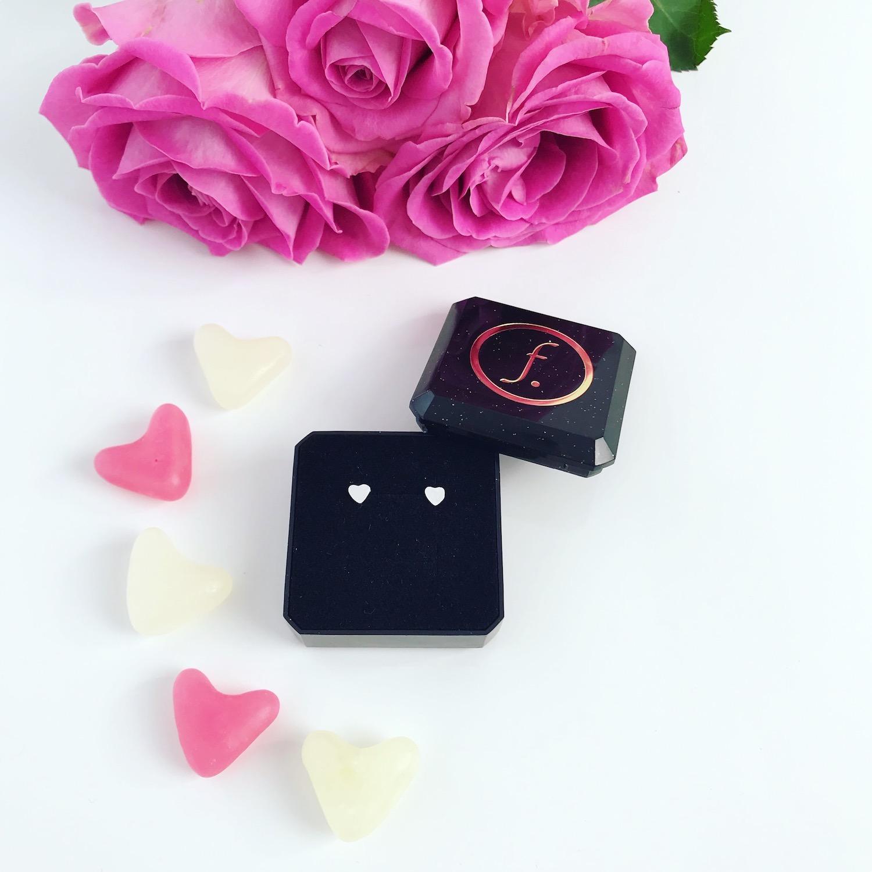 Sterling zilveren hartjes stud oorbellen met rozen
