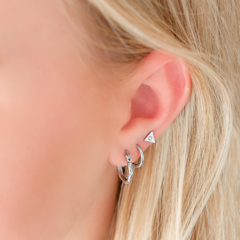 Trendy oorringetje met print om te kopen