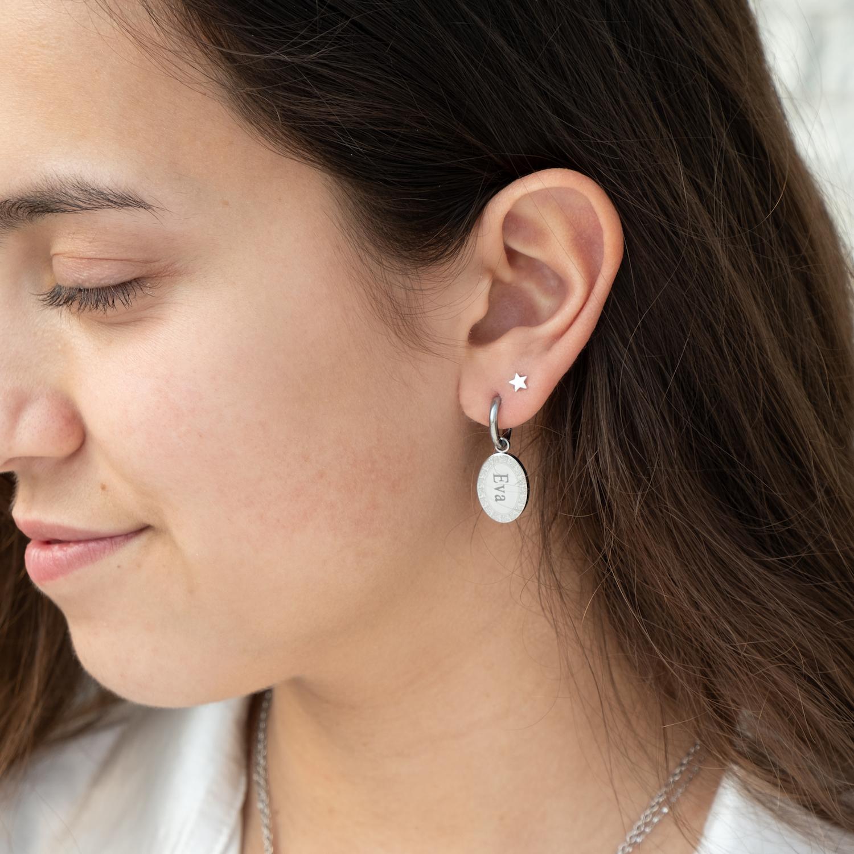FINASTE zilveren naam oorbellen