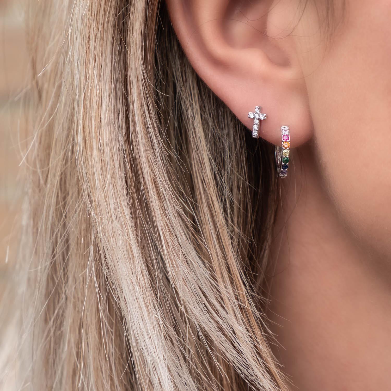 Zilveren oorbellen met regenboog steentjes