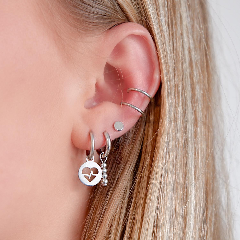 Leuk setje met sieraden in het oor voor een leuke look