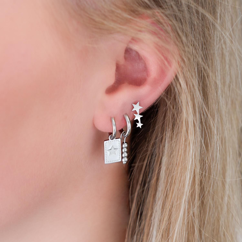 Trendy oorbellen om te kopen in een trendy earparty