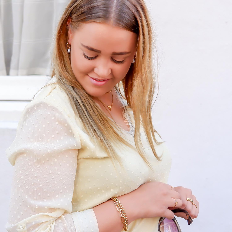 Mooie set van goudkleurige sieraden voor een mooie look