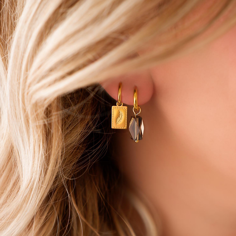 Trendy oorbellen met een mooie hanger om te kopen