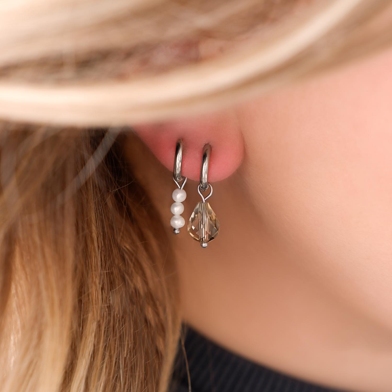 Earparty met oorbellen met steentjes en parels